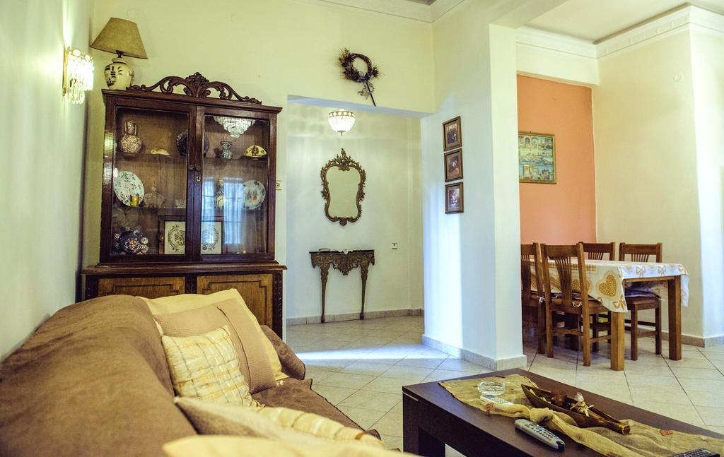 Melina Traditional House in Pothia